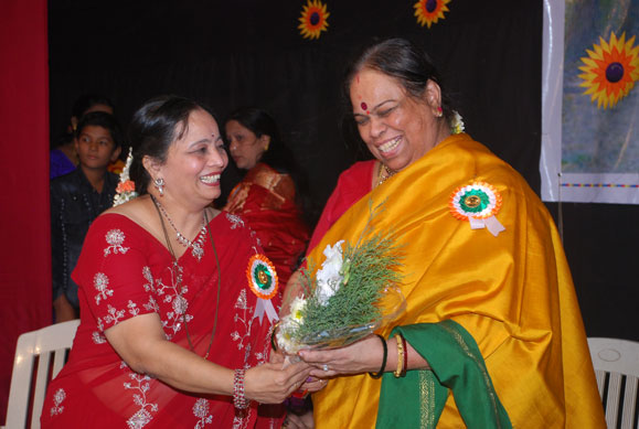 Mrs. L. Vaidyanathan felicitated by Mrs. Raote in our Annual Day