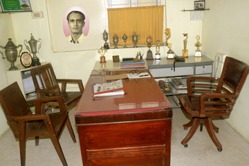 Founder Trustee The Lt. M. U. Mandlecha Sir's Office